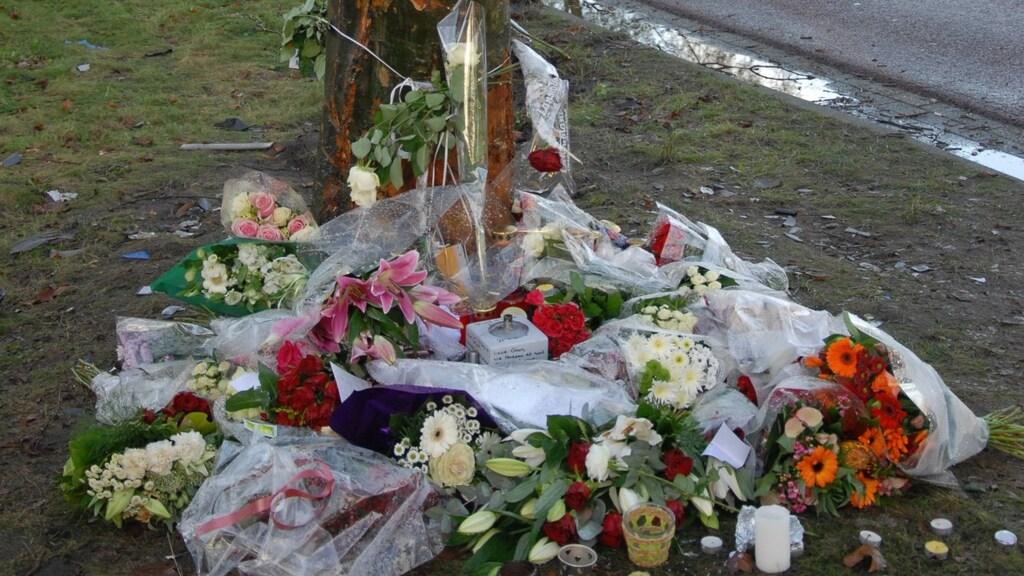 Op de plek waar Gian overleed, verscheen al snel een bloemenzee.