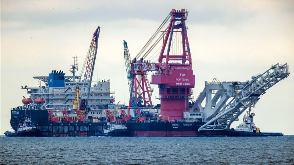 Een mega-operatie is tussen Denemarken en Duitsland bezig om het laatste deel van de Nord Stream 2 aan te leggen.