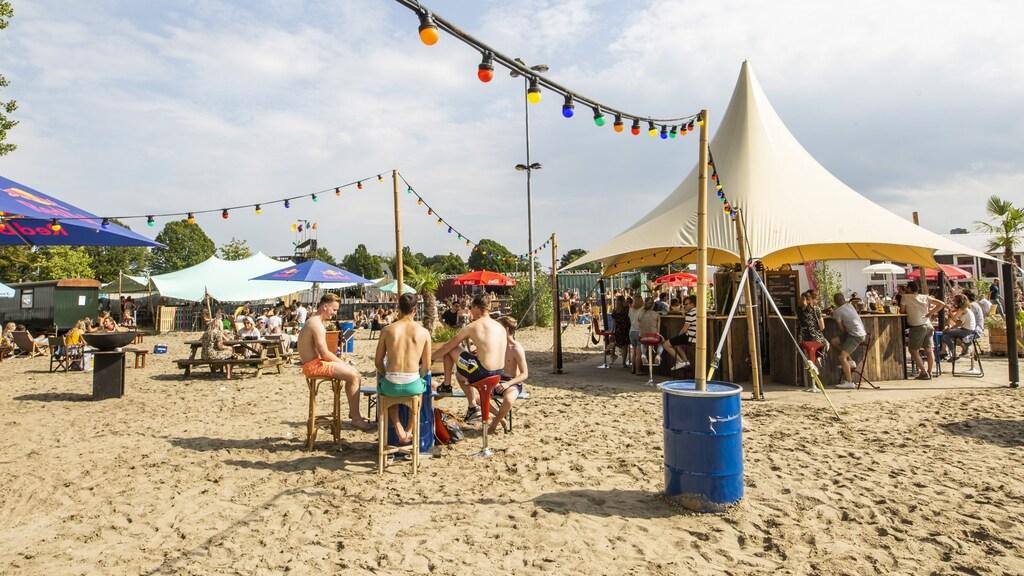 Stadsstrand Beachy moest coronaproof worden gemaakt.