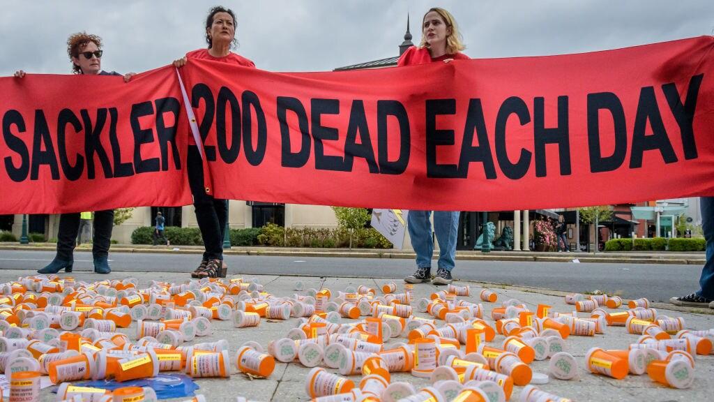 Een demonstratie in de staat Connecticut tegen de eigenaren van farmaceut Purdue, de familie Sackler.