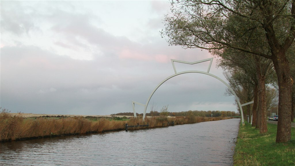 De Bonkevaart bij het Fryske Ljouwert (Leeuwarden) is voor schaatsers nog onbegaanbaar.