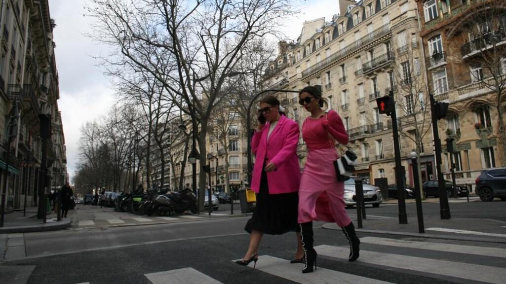 """""""Ik denk erover na om na corona langere tijd in Parijs te wonen. Daar is de showroom en werken de meeste stylisten."""""""