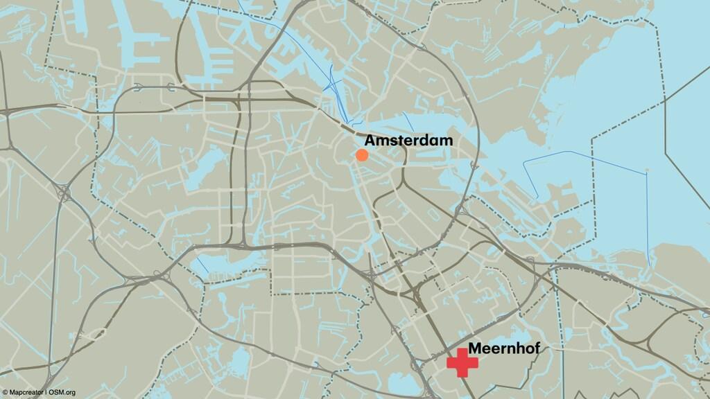 De baby werd gevonden in een afvalcontainer in Amsterdam-Zuidoost.