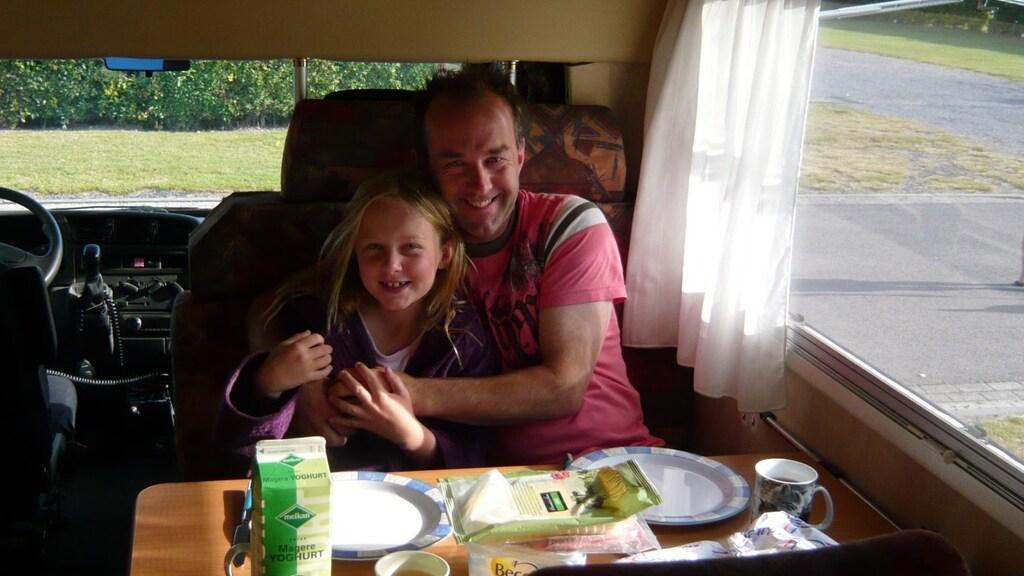 Nienke reisde met haar vader ook vaak in een camper.