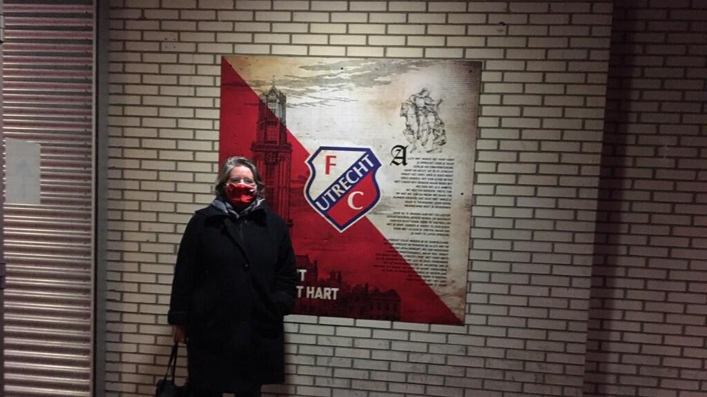 Prisca maakte voor haar zoon een foto in het stadion.