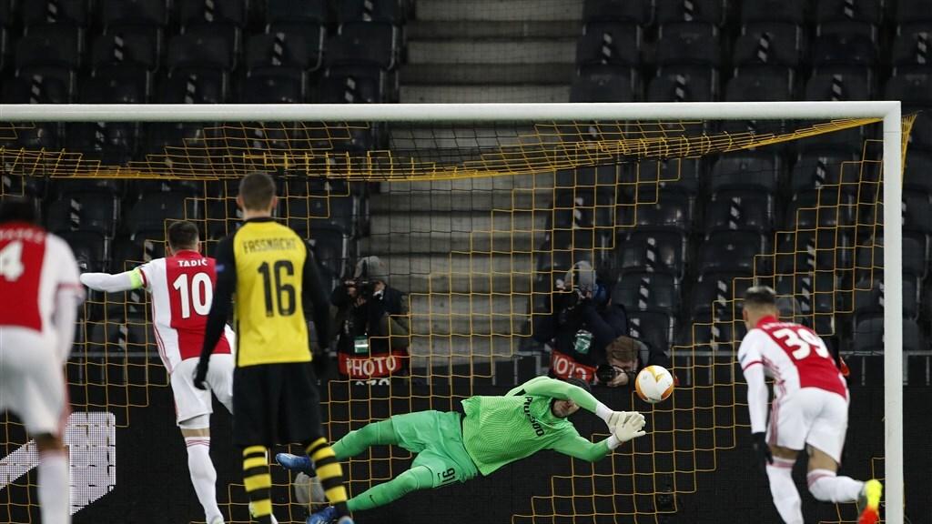 Tadic schiet de penalty erin