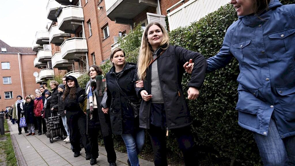 Protest in de wijk Mjoelnerparken tegen de plannen van de Deense regering