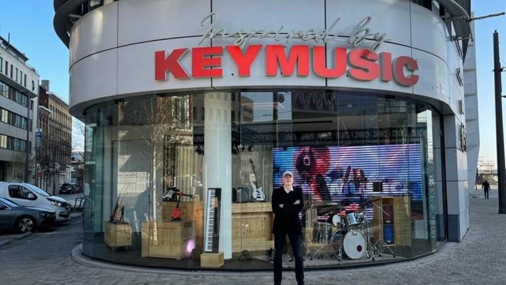 De nieuwe winkel in Antwerpen zit in een voormalige Porsche-showroom.