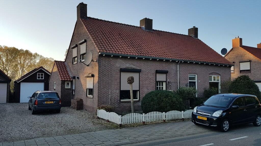 Het huis staat in Nederland, de straat ligt in Duitsland