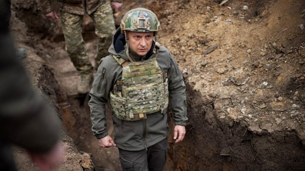 De Oekraïense president Volodymyr Zelensky aan de frontlinie.