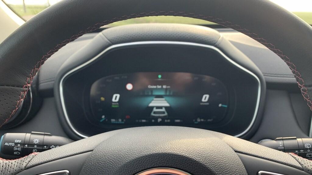 """Knoppen """"geleend"""" van VW en digitaal dashboard"""