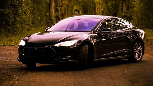 China maant Tesla: meer aandacht voor veiligheid nodig