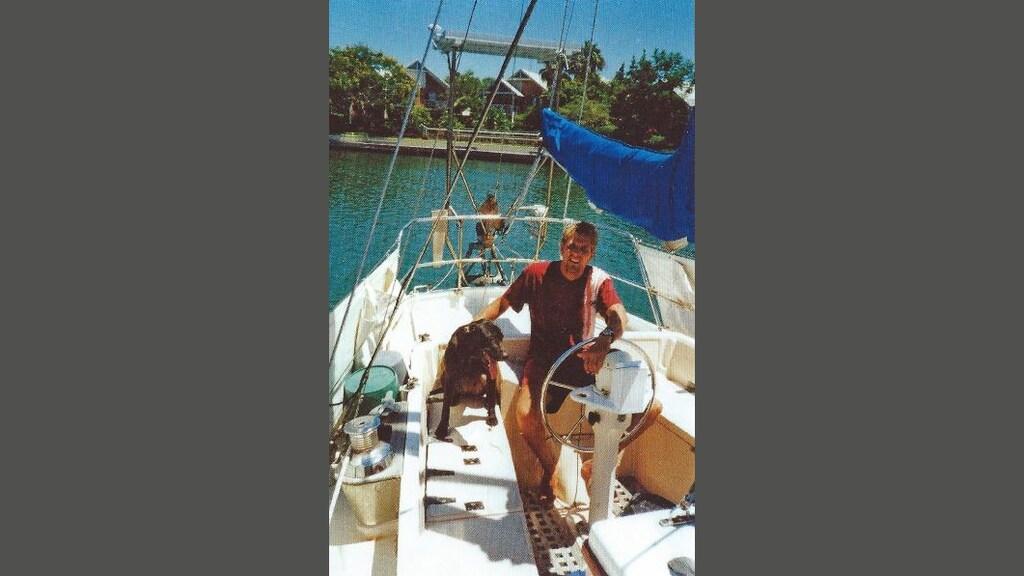 Mark Slats in Australië met hond Sammy