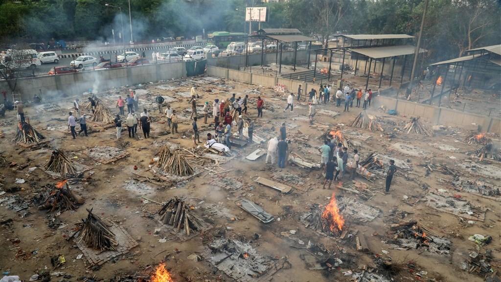 Een crematieplaats in Delhi