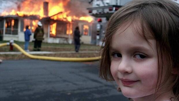 'Disaster Girl' verkoopt haar meme als NFT voor half miljoen dollar