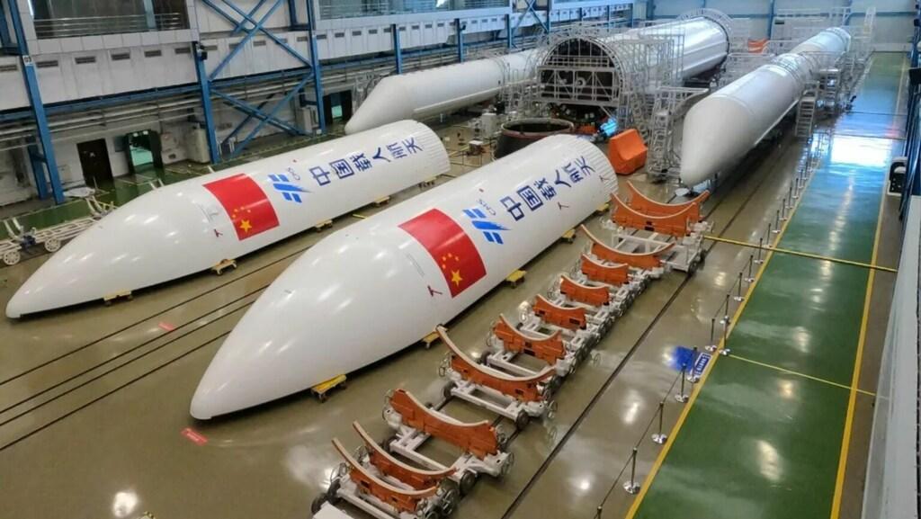 Onderdelen van de Chinese raket