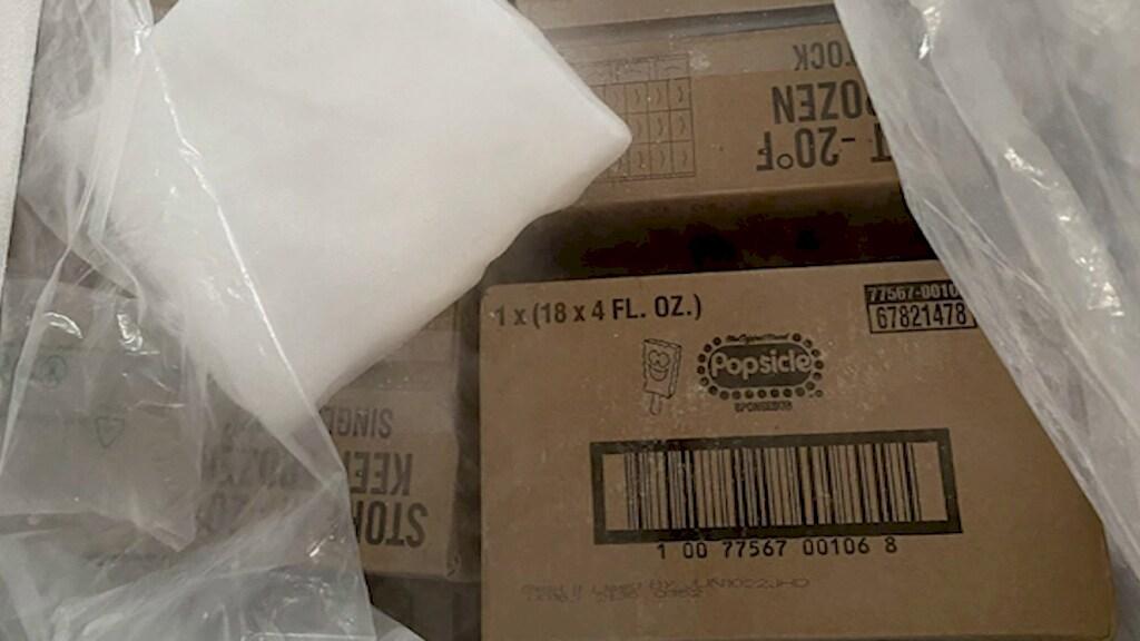 Een paar van de dozen die Jennifer Bryant ontving.