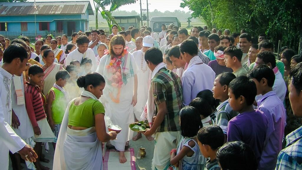 """""""Tijdens een tour in het Noordoosten van India, als ik een dorp bezoek en mensen ontmoet."""""""