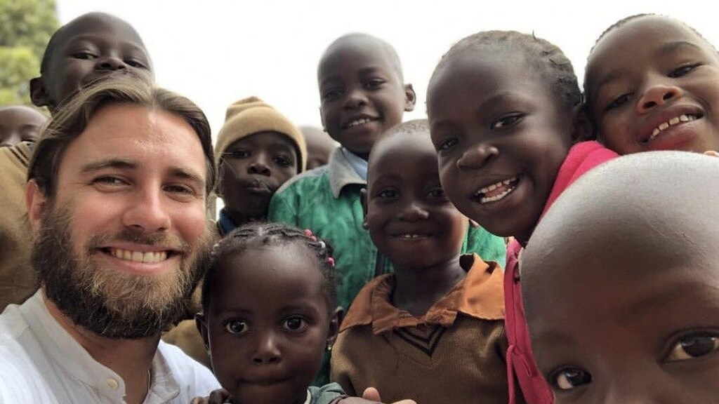 """""""Voor corona in Kenia in een weeshuis voor straatkinderen dat gesteund wordt door de Art of Living."""""""