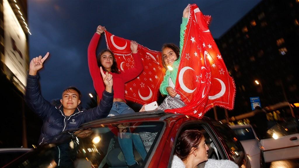 De Turken hebben het meeste over voor een kampioenschap van hun land.