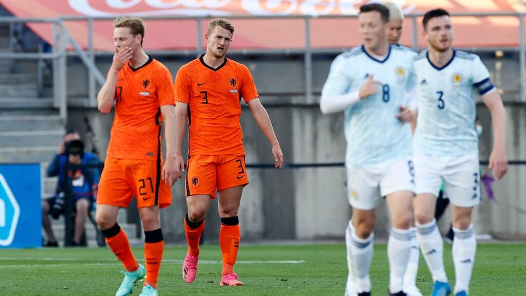 De Jong en De Ligt balen in rampzalige oefenwedstrijd tegen Schotland