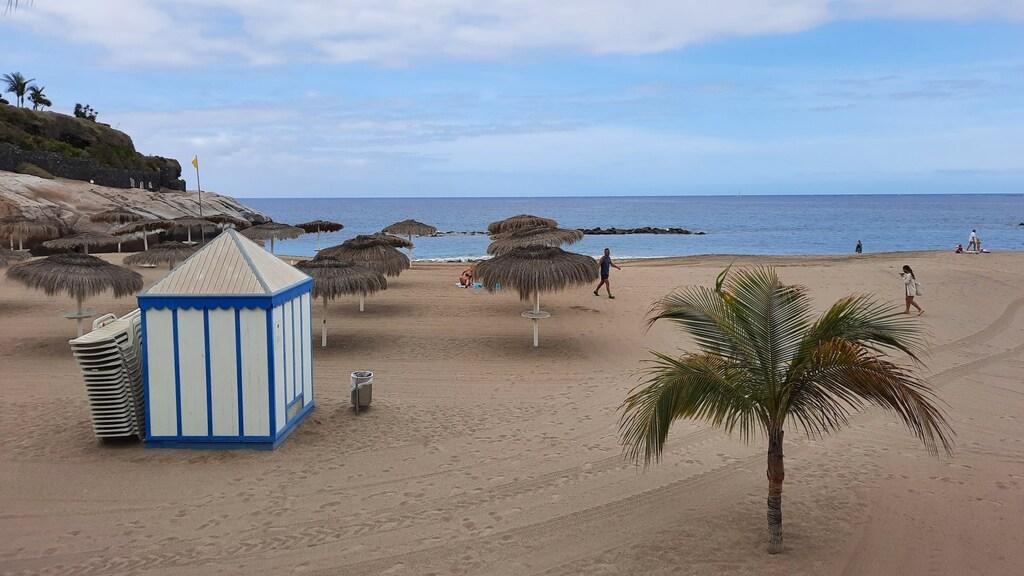 Op de zuidelijke stranden van Tenerife is het nog rustig.