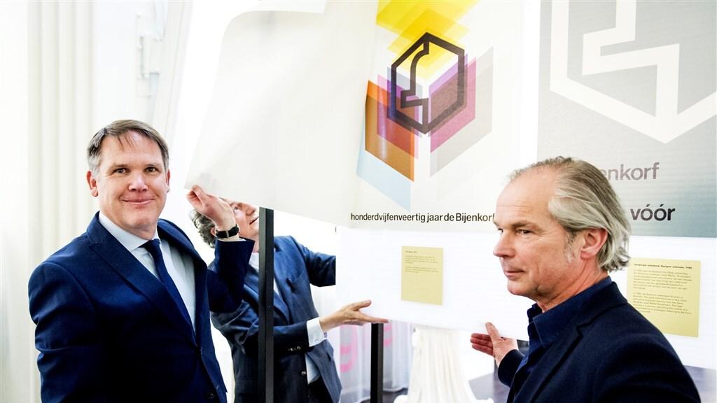 Directeur Giovanni Colauto (links) van het vastgoed-arme De Bijenkorf