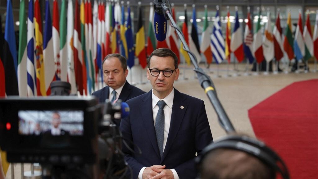 De Poolse premier na afloop van de laatste EU-top. De premier wil dat het nationale recht in Polen het hoogste woord heeft.