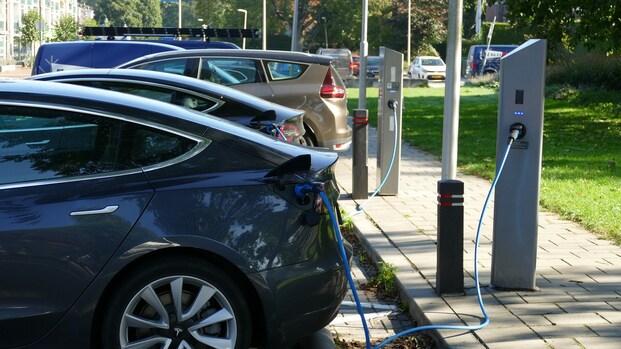 Autobranche: 'Meer infrastructuur nodig voor elektrisch rijden'