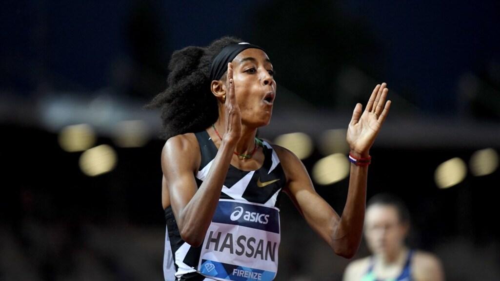 Medaillefavoriet Sifan Hassan na afloop van een gewonnen 1.500 meterrace in Florence, 10 juli 2021.