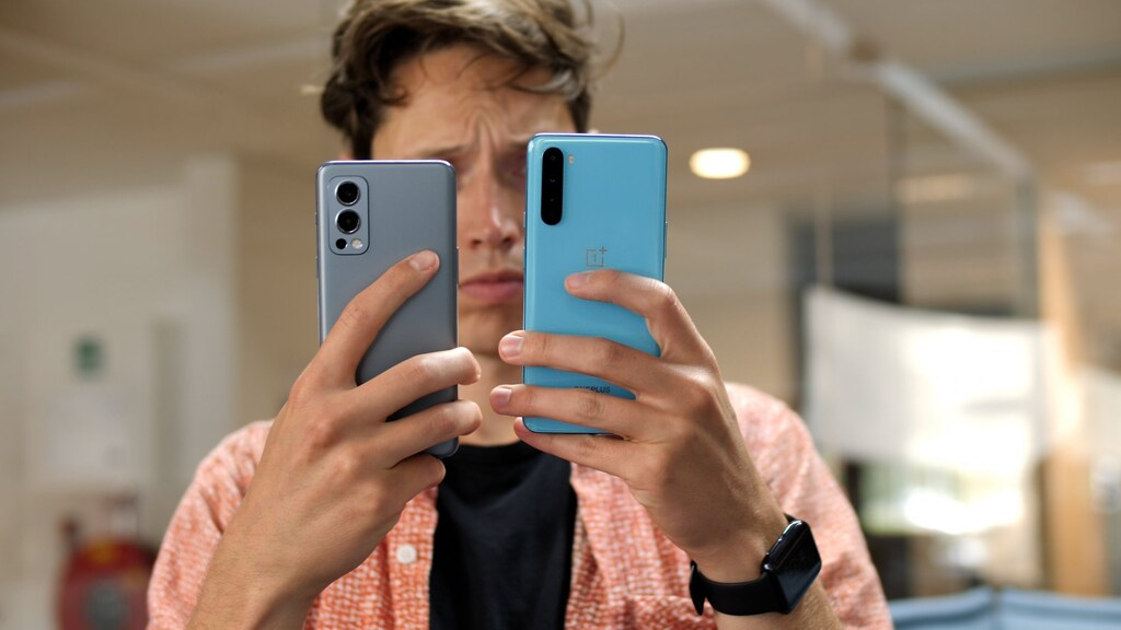 OnePlus Nord 2 (links) en OnePlus 9 Pro