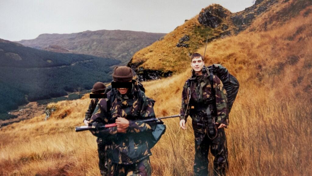 """In 1994 in Schotland tijdens berg- en schiettraining. """"Een prachtig land. Ik ga er regelmatig op vakantie om te wandelen."""""""