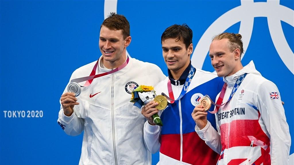 Na de 200 meter rugslag de suggestie van dopinggebruik. Zilver voor de Amerikaan Murphy, goud voor de Rus Rylov. Brons voor de Brit Greenback.