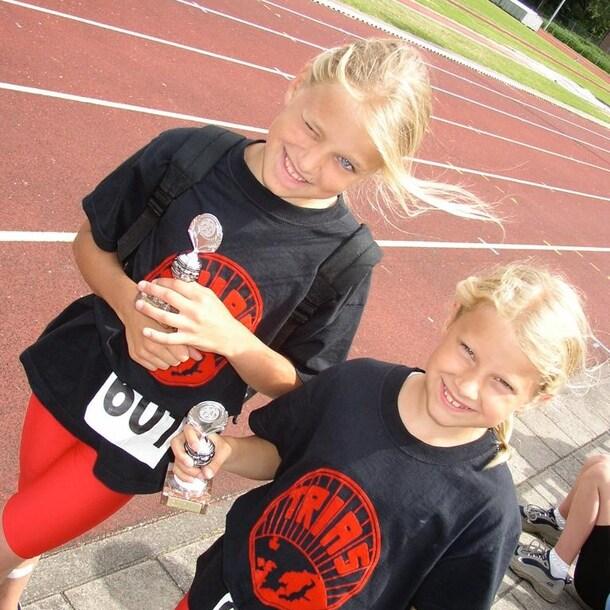 Lisanne (links) en Laura (rechts)