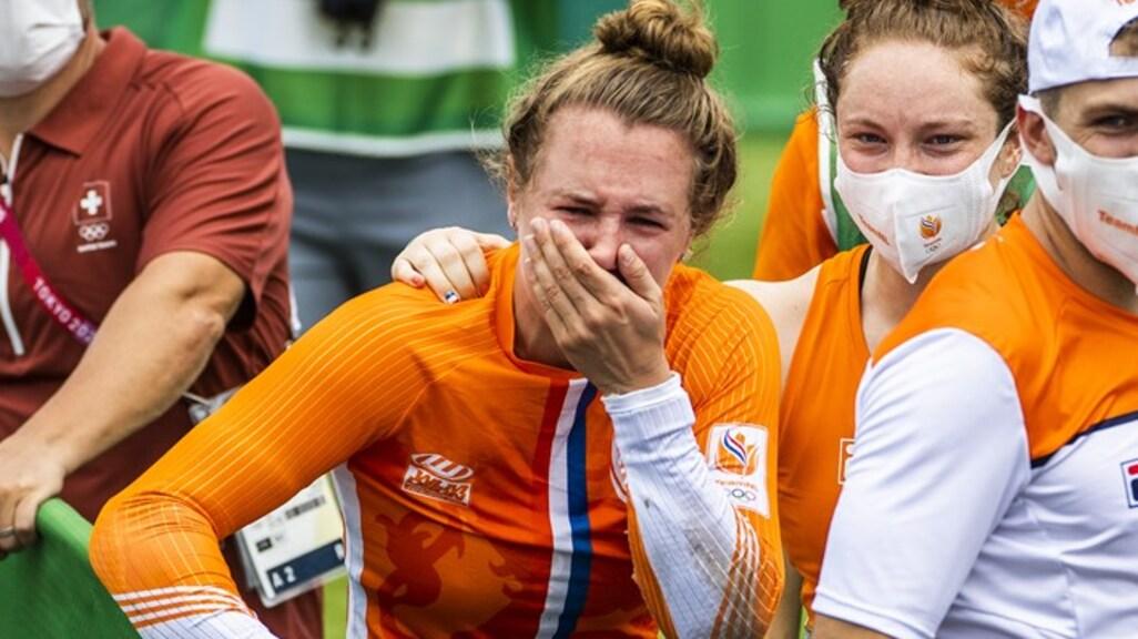 Laura ziet haar zusje Merel brons winnen.