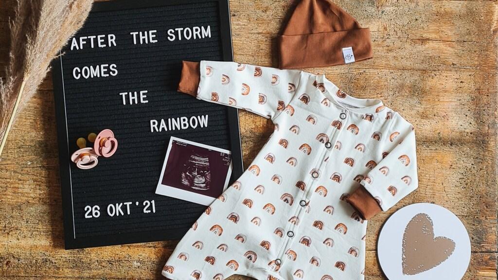 De aankondiging van Mandy en haar vriend dat er een regenboogbaby onderweg is.