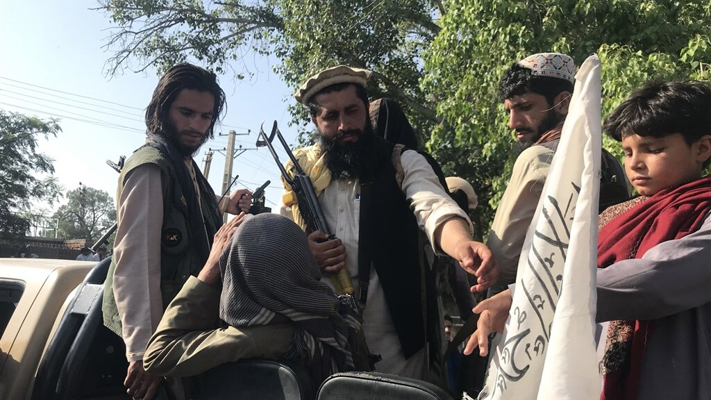De taliban veroveren stad na stad.
