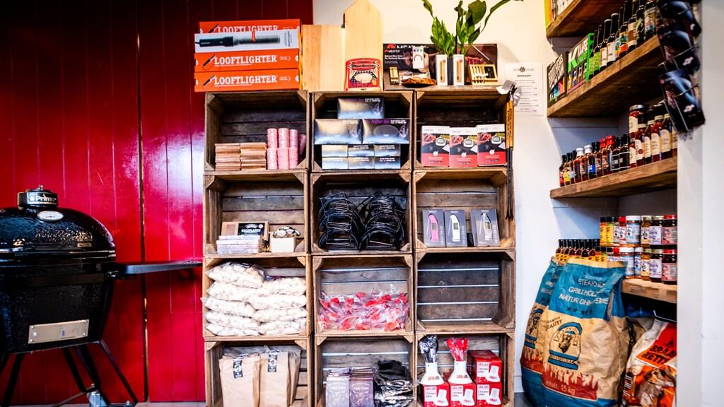 In de winkel in Ter Aar.