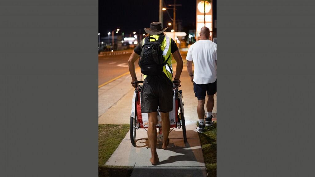 Anton liep de afgelopen 24 uur aan een stuk door.
