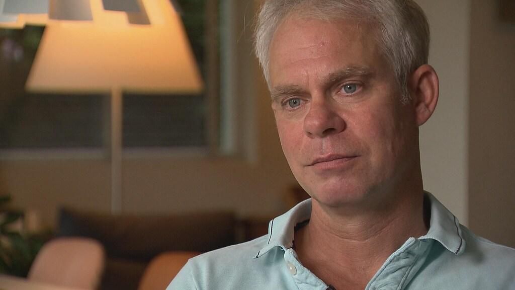 Nabestaande Peter van der Meer spreekt als een van de eersten in de rechtbank.