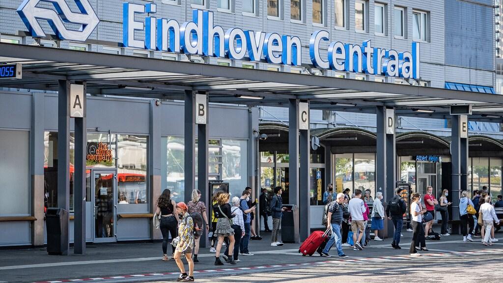 Drukte op Eindhoven Centraal