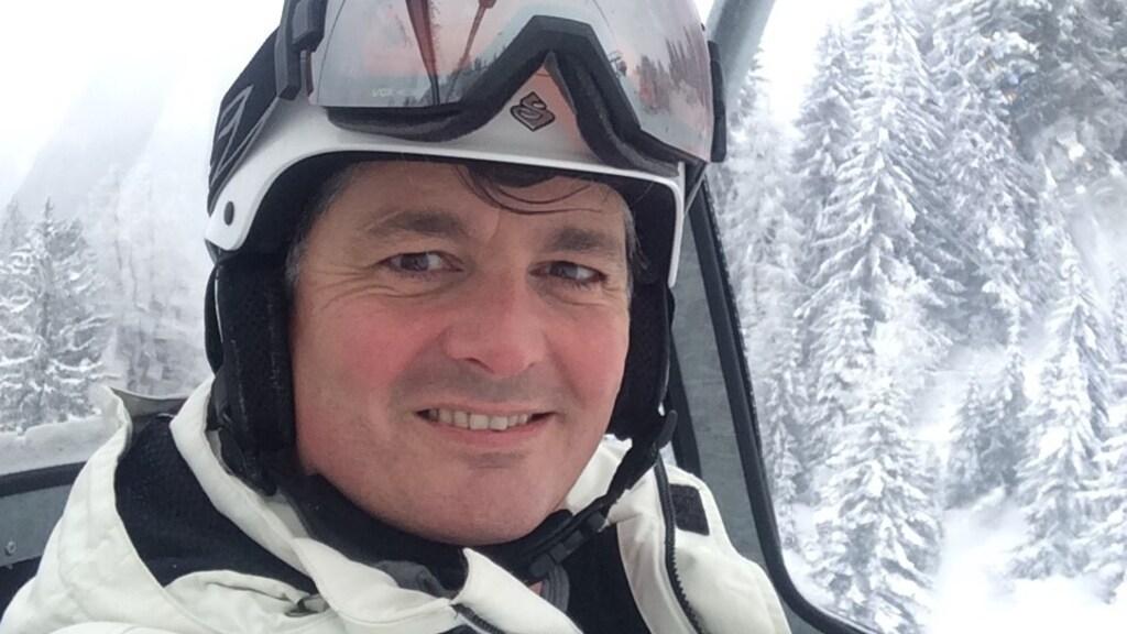 Jorrit Weerman in het skigebied bij Sankt Anton. Eenmaal terug werd hij binnen enkele dagen ernstig ziek.