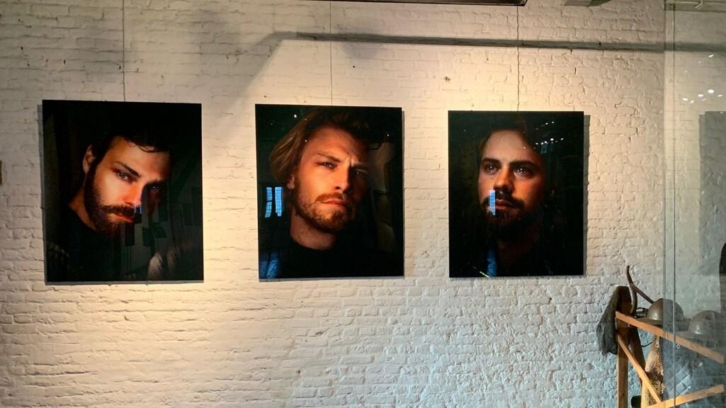 Foto's uit de expositie Crying Boys, gemaakt door Noah Valentyn