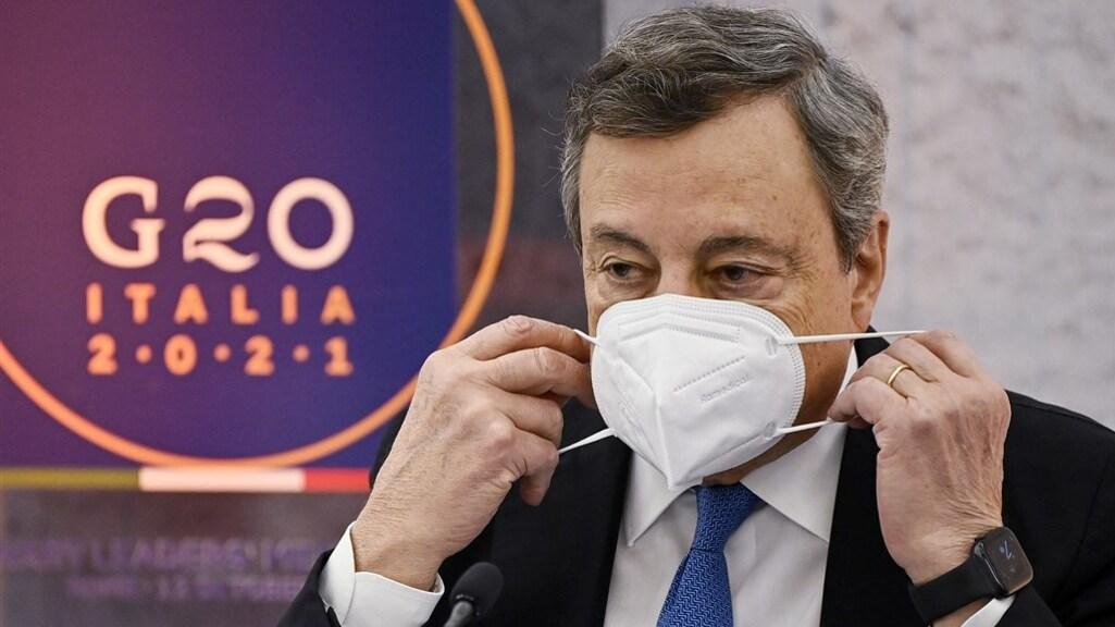 De Italiaanse premier Draghi wil met de coronapas de vaccinatiegraad verhogen.