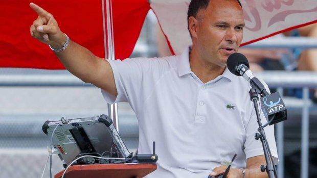 Umpire geschorst na 'peptalk' tegen Kyrgios