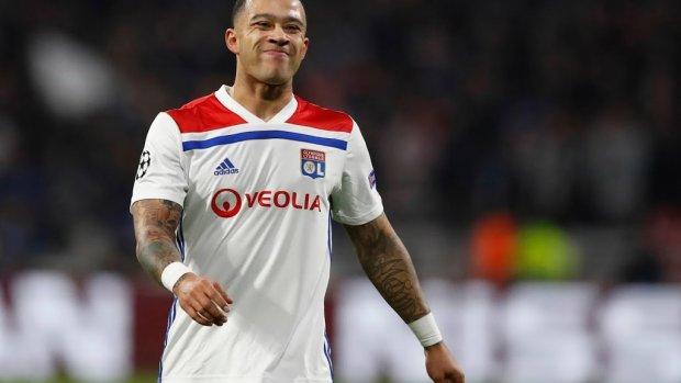 Depay scoort weer eens voor Lyon