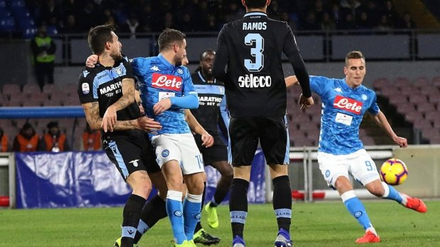 Napoli verslaat Lazio in Serie A
