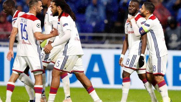 Invaller Dembélé helpt Lyon aan zege