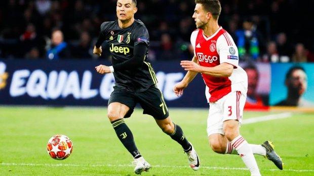 Ajax met Veltman tegen FC Groningen