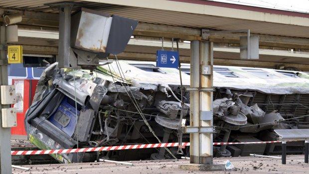 Oorzaak treinramp Parijs nog onduidelijk